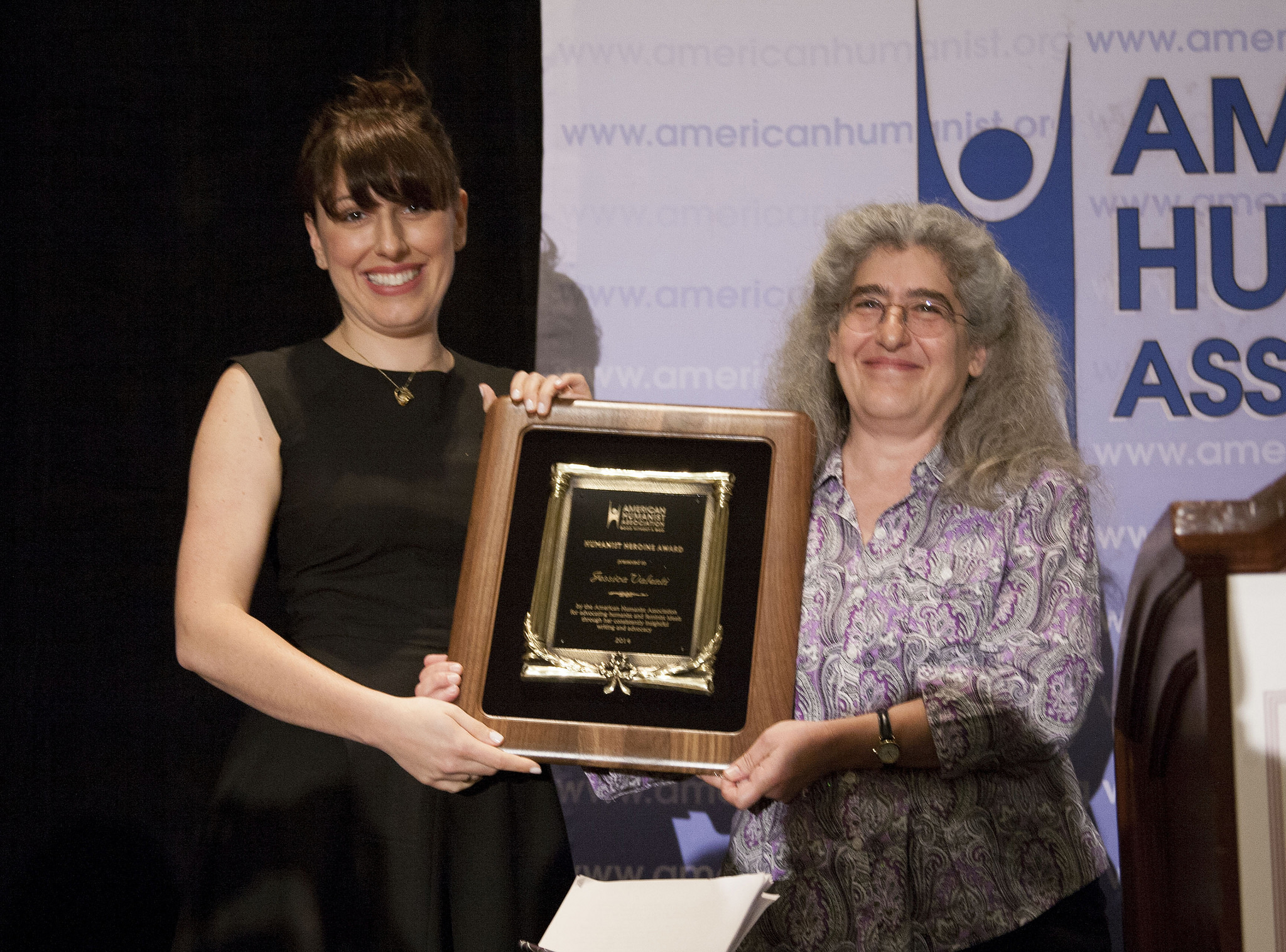 Jessica Valenti receives the Humanist Heroine Award from Zelda Gatuskin